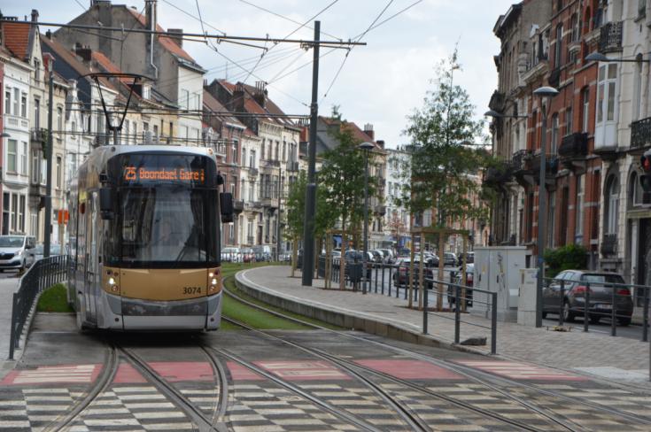 tram 25